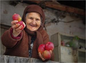 баба_и_ябълки